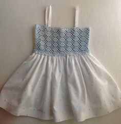 Crochet Baby Dress Pattern, Crochet Yoke, Crochet Fabric, Crochet Girls, Crochet Baby Clothes, Baby Tulle Dress, Muslin Dress, Diy Crafts Crochet, Diy For Girls