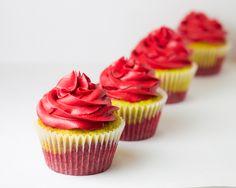 Strawberry and lemon cupcakes <3