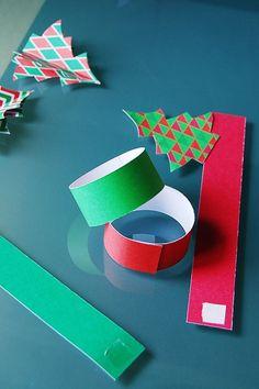 Diy Christmas Napkins, Christmas Napkin Folding, Christmas Napkin Rings, Diy Christmas Ornaments, Christmas Decorations To Make, Masquerade Centerpieces, Diy Centerpieces, Christmas Projects, Christmas Crafts