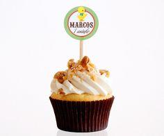 Toppers para docinhos e cupcakes personalizados com nome e idade da criança para festa no tema Fazendinha!