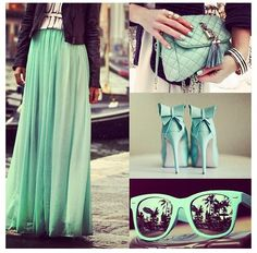 .Absolutely love this green maxi skirt! I need it now!!!