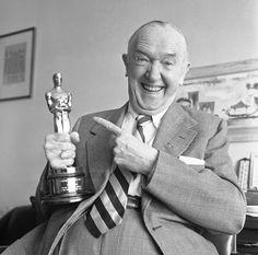 Stan Laurel shows off the honorary Oscar he received in 1961.  https://fbcdn-sphotos-d-a.akamaihd.net/hphotos-ak-prn2/988489_607870365919502_792586697_n.jpg