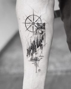 ▷ 1001 + ideas for a beautiful and meaningful compass tattoo - wolf tattoos - . - ▷ 1001 + ideas for a beautiful and meaningful compass tattoo – wolf tattoos – - Body Art Tattoos, Sleeve Tattoos, Circle Tattoos, Quote Tattoos, Heart Tattoos, Tattoo Fonts, Lone Wolf Tattoo, Compass Tattoo Meaning, Wolf Tattoo Meaning
