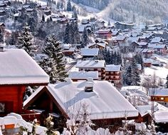 Snow topped alpine homes in Chatel - check out skiingproperty.com today! #Realtor #Design #Ski #Skiing #France #Alpine #Sports #Winter #Maison #Designer #Luxe #Propriété #лыжа #Главная #роскошь ##Properties #Architecture #Photography #Travel #Luxury #Lifestyle #Interiors #InteriorDesign #HomeDesign #HomeDecor #Home #Property #RealEstate #EstateAgent