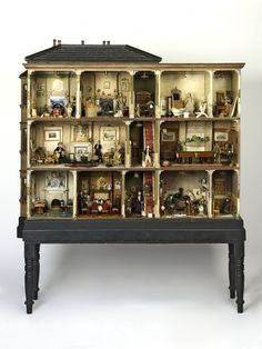 12 Dollhouses That Trace 300 Years of British Domesticity,Amy Miles' House (England, 1890). Image © Victoria and Albert Museum, London