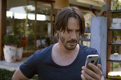 """Fotos de la película """"Knock Knock"""", protagonizada por Keanu Reeves - Sinopsis de Películas"""
