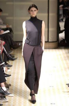 Martin Margiela joins Hermes as the lead designer of women's ready to wear between 1998 and 2003. Margiela gets a chance to deal with the long tradition of craftsmanship of the French house, experiencing the construction of garments with minimalistic shapes, playing with the lightness of the best high quality materials.
