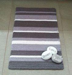 Crochet Decoration, Crochet Home Decor, Crochet Amigurumi, Crochet Yarn, Crochet Rug Patterns, Quilt Patterns, Crochet Carpet, Square Rugs, Weaving Textiles