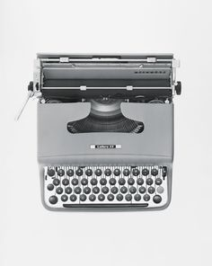 Marcello Nizzoli, TypewriterLettera 22, 1957, Olivetti. Compasso d'oro 1954. Photo ©ballo+ballo