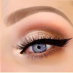 Warm Peachy Eyeshadows, Cat Eye, Winged Liner | Using Too Faced Sweet Peach Palette (@crystalhoytbeauty on Youtube)