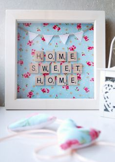Home Sweet Home Scrabble Wall Art by PencilAndTwine on Etsy (Diy Box) Scrabble Kunst, Scrabble Tile Art, Scrabble Frame, Scrabble Board, Box Frame Art, Box Frames, Frames Ideas, Wooden Frames, Scrabble Letter Crafts