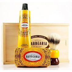 #Rasierset aus #Portugal - Just Bottle #körperpflege #style #trendy #bart #hipster #hippiechic Hippie Chic, Portugal, Sauce Bottle, Shaving, Packaging Design, Hipster, Friends, Casual, Barber Shop