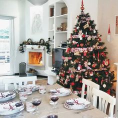 Www Lauracountrystyle Com Christmas Time In My Home Holiday Decor Christmas Christmas Time