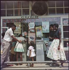 The famed photographer's LIFE magazine images document the lives of an extended African-American family in segregated Alabama Gordon Parks, African American Artist, American Artists, Black Female Artists, Fort Scott, Miss Moss, Drinking Fountain, Litho Print, Magazine Images