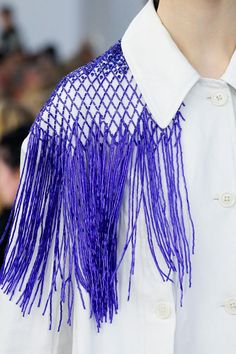 Dries Van Noten Spring 2019 Ready-to-Wear Fashion Show - Fashion For Women - Dries Van Noten Spring 2019 Ready-to-wear fashion show # # Spring Fashion - Trend Fashion, Fashion Weeks, Fashion Details, Diy Fashion, Editorial Fashion, Spring Fashion, Ideias Fashion, Fashion Show, Fashion Outfits