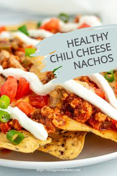 Want something fun for dinner? Try the best chili cheese nachos, made healthy style! For appetizers, party, football games, or just for dinner, these will be a hit with everyone. Cheesy Recipes, Chili Recipes, Chili Cheese Nachos, Healthy Chili, Chili Seasoning, Healthy Style, Ground Turkey Recipes, Recipe Ideas, Appetizers