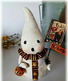 new 2017 handmade cute folkart Harvest Halloween paper clay BOO GHOST with jackolantern and faux vintage cat postcard by Michelle Allen Halloween Clay, Hallowen Costume, Halloween Trees, Halloween Projects, Diy Halloween Decorations, Holidays Halloween, Clay Projects, Vintage Halloween, Happy Halloween