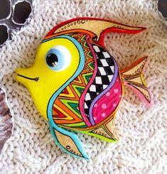 Talavera pottery tropical Fish wall art in Mexico folk art style. Small bright rainbow fish for outdoor decor. Fish Wall Art, Fish Art, Folk Art Fish, Beach Bedroom Decor, Talavera Pottery, Wood Fish, Rainbow Fish, Fish Design, Mural Art