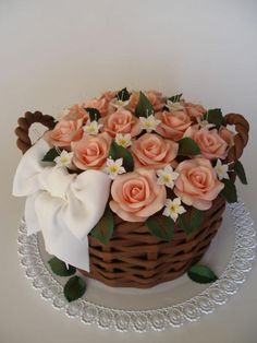 Basket Of Roses on Cake Central Fairy Birthday Cake, Pig Birthday Cakes, Elegant Birthday Cakes, Cake Decorating Piping, Cake Decorating Designs, Cake Decorating Techniques, Flower Basket Cake, Flower Pot Cake, Beautiful Cake Designs