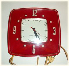 Fabulous RETRO WALL CLOCK - red midcentury modern general electric kitchen clock - funky vintage decor - works