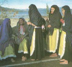 Para mas de mil anos, Michoacán era la casa de los nativos se llama la Purhépecha. El reino de la Purhépecha era uno de la mas próspero y extensivo imperios de la prehispánica mesoamericana mundo. La capital ciudad de las Purhépecha fue Tzintzuntzan. Las Purhepechas son mas conocidos por sus inteligencia de los metales y  sus pirámides de escalón . La Purhépecha no tiene una lengua escribe, sino, una lenga de los tradicionales oral, incluyendo historias y lenguas que existe hoy.