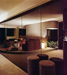 Brooklyn Heights apartment   John Saladino. THE NYT BOOK OF INTERIOR DESIGN AND DECORATION ©1976