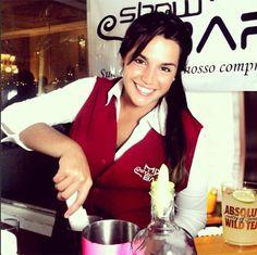 Final de semana tá chegando!! E você que irá fazer o seu evento faça um orçamento conosco!! Em: mixshowbar@hotmail.com Marque sua degustação! #mix #showbar #brasilia #absolut #drink #cocktail #bartender #bargirl #mixshowbar #cool #2013 #bar