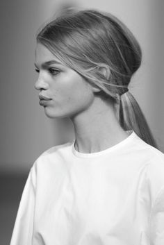 Sophisticated and Simple Low Ponytail