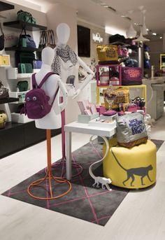 Kipling store by UXUS, London » Retail Design Blog