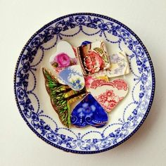 Learn how to make your own jewelry from old broken china (Got free book sample - Boho Chic Jewelry) Jewelry Crafts, Jewelry Art, Vintage Jewelry, Jewelry Accessories, Handmade Jewelry, Jewelry Design, Jewlery, Glass Jewelry, Do It Yourself Jewelry
