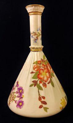 Big RARE 19 C ENGLISH Antique ROYAL WORCESTER Porcelain Ruffled Floral VASE Urn #ROYALWORCESTER
