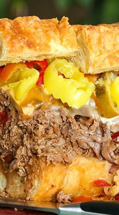 Deli roast beef is simmered in spicy beef broth and served on crusty toasted bread, topped with ooey gooey cheese and peppers to create our favorite hot and spicy roast beef sandwich recipe in under 30 minutes! Grill Sandwich, Roast Beef Sandwiches, Best Sandwich, Soup And Sandwich, Wrap Sandwiches, Sandwich Recipes, Sandwich Ideas, Wrap Recipes, Spicy Recipes