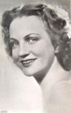 Bulla Elma (1913-1980) Kossuth-díjas magyar színművésznő, érdemes és kiváló művész.