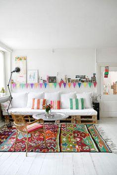 Introduza cor na decoração de salas