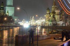 Putin-Kritiker Boris Nemzow: Killer-Kommando erschießt russischen Oppositionspolitiker mitten in Moskau http://www.focus.de/politik/ausland/putin-kritiker-nemzow-russischer-oppositionspolitiker-in-moskau-erschossen_id_4508834.html