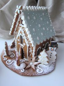 ❄☃ Sweet ❄☃❄ Gingerbread ☃❄ Mansikkamäki – Valentine's Day Gingerbread House Designs, Gingerbread House Parties, Gingerbread Village, Gingerbread Decorations, Christmas Gingerbread House, Noel Christmas, Christmas Desserts, Holiday Treats, Christmas Treats