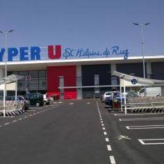 Saint Hilaire De Riez - Hyper U - Parking et enseigne