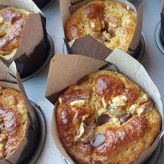 Blender Banana Oatmeal Muffins http://cleanfoodcrush.com/banana-oatmeal-muffins/