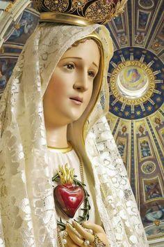 Santa María, Madre de Dios y Madre nuestra: Con María, en la puerta de la Misericordia