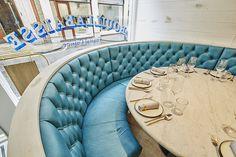 Curved window banquette. Bouillabaisse, Mayfair. Seafood Restaurant