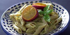 Minimer madspild og forvandl broccolistilken til en lækker og simpel pastaret!