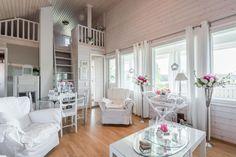 Vierasmökki viehättää romattisuudellaan, avaruudellaan ja runsaalla huonekorkeudellaan. Täältä löytyy olohuone, parvi, keittokomero ja wc sekä kaiken kruununa puulämmitteinen sauna pieni uima-allas terassilla. Divider, Cottage, Room, Furniture, Home Decor, Summer, Bedroom, Decoration Home, Summer Time