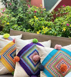 "Shubba Design's Instagram profile post: ""Her birine ponpon koymazsak olmaz 🙅♀️ #handmade #homedecor #pillow #gardenlife"" Applique Cushions, Crochet Cushions, Embroidered Cushions, Crochet Doily Diagram, Crochet Doilies, Crochet Home, Knit Or Crochet, Hand Embroidery Designs, Ribbon Embroidery"