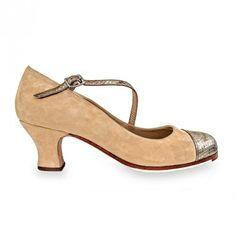 MARGARITA   Zapato de flamenco para mujer en ante y piel grabada. Fabricado en España. Made in Spain. #flamenco #zapatoflamenco #flamencoshoes