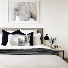 """Home Interior Design Acquire wonderful suggestions on """"cheap home decor for apartments"""". They are on call for you on our site. Home Decor Bedroom, Interior Design Living Room, White Bedroom Decor, Bedroom Ideas, Monochrome Bedroom, Mode Monochrome, Suites, Beautiful Bedrooms, New Room"""