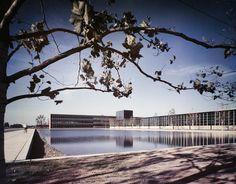 Eero Saarinen - General Motors Technical Center - Warren, Michigan                  Photo: Ezra Stoller -1956