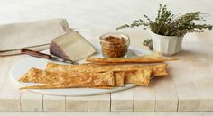Martha Stewart demonstrates how to make homemade crackers and flatbread recipes in this episode of Martha Bakes on PBS Food. Other Recipes, Raw Food Recipes, Appetizer Recipes, Snack Recipes, Cooking Recipes, Snacks, Homemade Crackers, Homemade Cheese, Pbs Food
