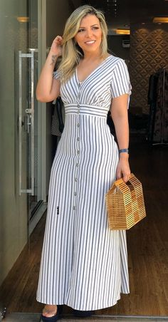 Cuando es bienquerencia a primera presencia lind Beautiful Linen Dress Long Dress Fashion, Fashion Dresses, Simple Dresses, Casual Dresses, Casual Frocks, Frock Design, Western Dresses, Classy Outfits, Casual Outfits