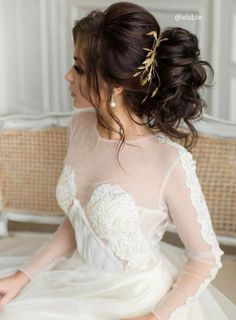 50 Wow-Worthy Long Wedding Hairstyles from Elstile | Hi Miss Puff - Part 4 / http://www.himisspuff.com/long-wedding-hairstyles-from-elstile/4/
