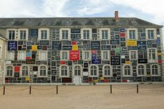 Le «mur des mots» de Ben à Blois | Chroniques du chapeau noir